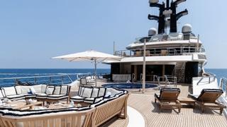 ddPUiNQETI6KxjEmisCg_Oceanco-superyacht-Tranquility-exclusive-interior-images-sun-deck-320x180