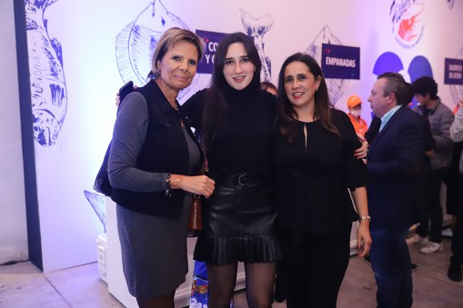 Valeria Vargas, Ángeles Sierra y Laura Vargas