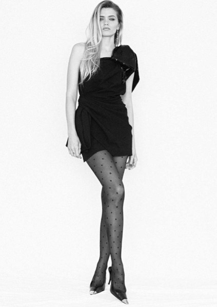 Abbey Lee en Saint Laurent por Anthony Vaccarello en los SAG Awards 2021.
