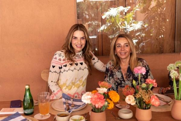 Rossana Lerdo de Tejada y Luisa Serna en la comida por la inauguración de Zona Maco.