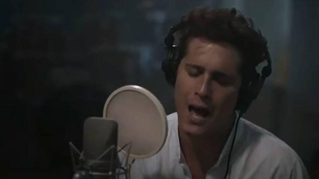 Diego-Boneta-cantando-Luis-Miguel-la-serie