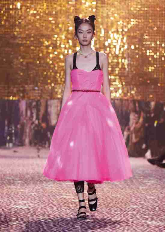 Dior-Fall-2021-Shangai-falda-tul-ok