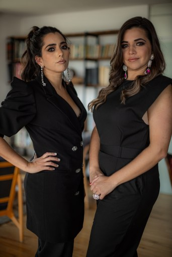 Karla y Lorena Sarti