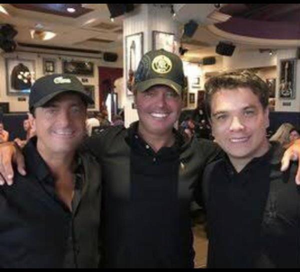 Alejandro, Luis Miguel y Gerardo Islas