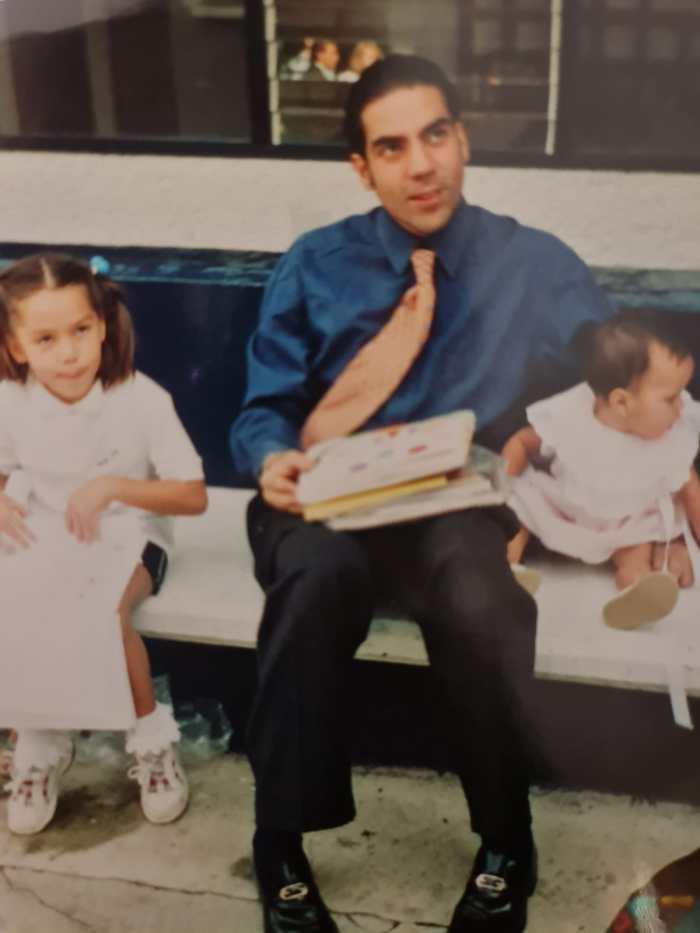 Pablo Moctezuma y sus hijas
