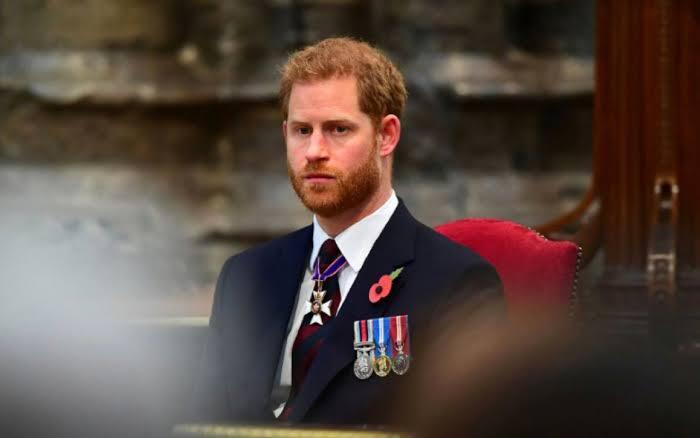 Harry en el funeral de su abuelo el príncipe Felipe