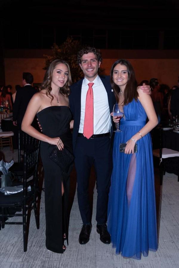 Begoña Benavides, José Juan Pinto y Sofía Legorreta