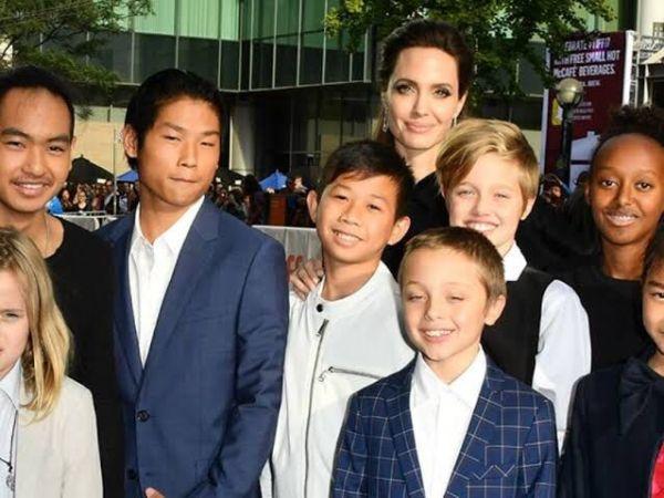 Angelina Jolie con sus seis hijos