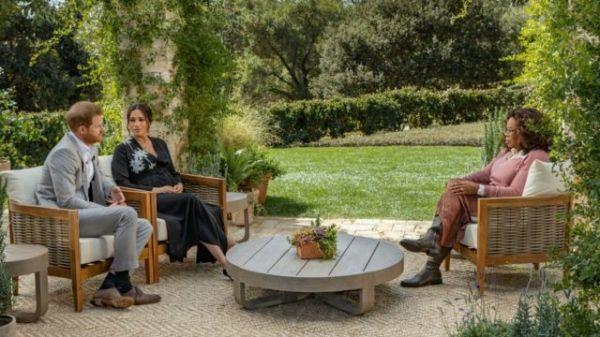 Harry y Meghan Markle en entrevista con Oprah Winfrey