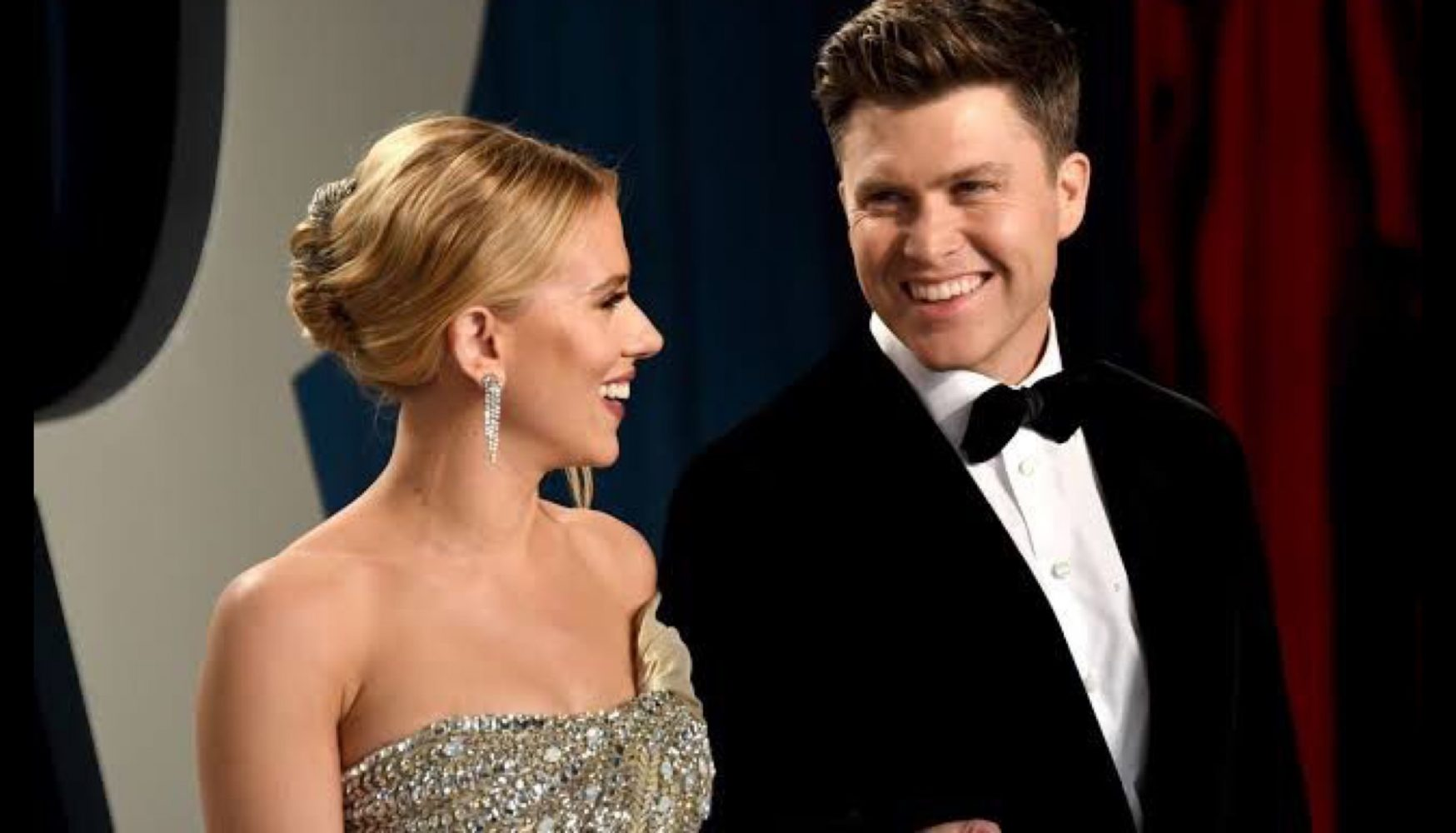 Scarlette Johansson y Colin Jost