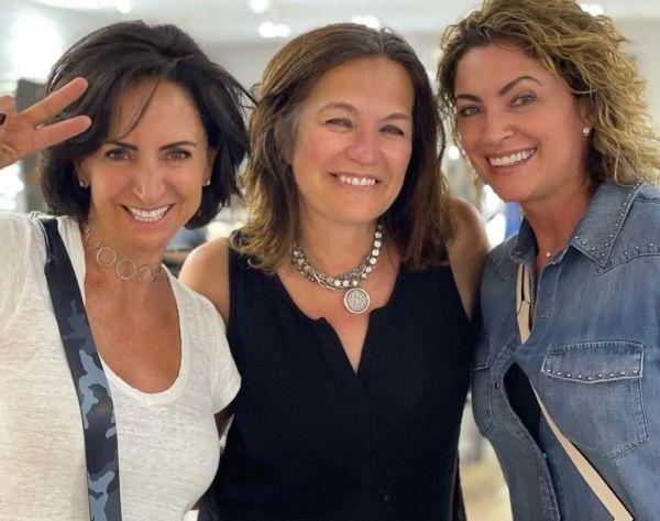 Renata Chain,  Jen Bruno y Paulina Fajer