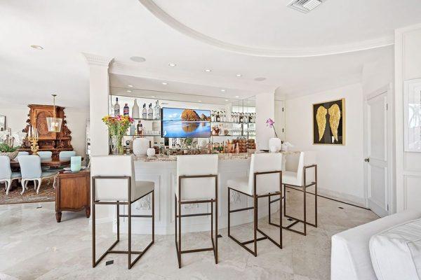 Bar mansión