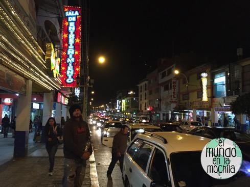 Una de las calles de Huaraz, un viernes por la tarde