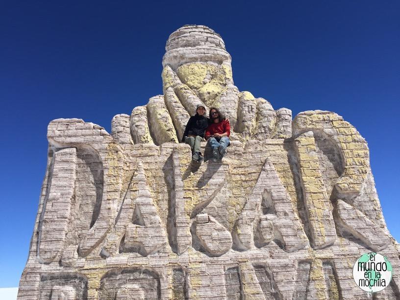 salar de uyuni bolivia monumento dakar
