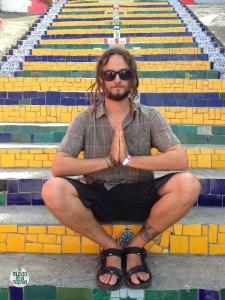 Peter elmundoenlamochila en las Escaleras de Selarón de Rio de Janeiro