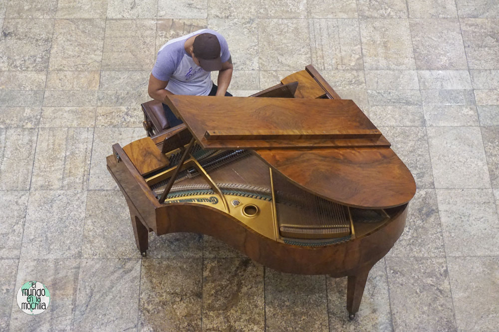 Pianista improvisado en el CCBB de Rio