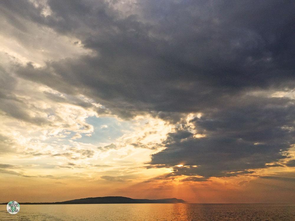 Espectacular puesta de sol desde la Isla Hvar