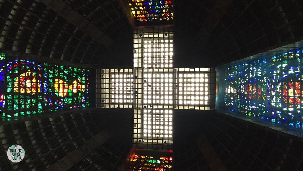Vitrales de colores de la Catedral de Rio de Janeiro