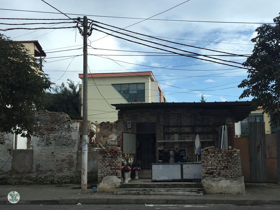 Casa humilde a las afueras de Tirana
