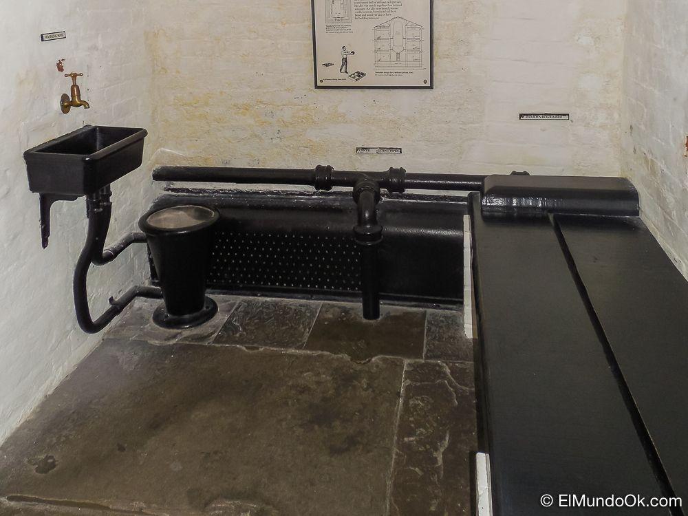 Imagen de una prisión en el Castillo de Edimburgo.