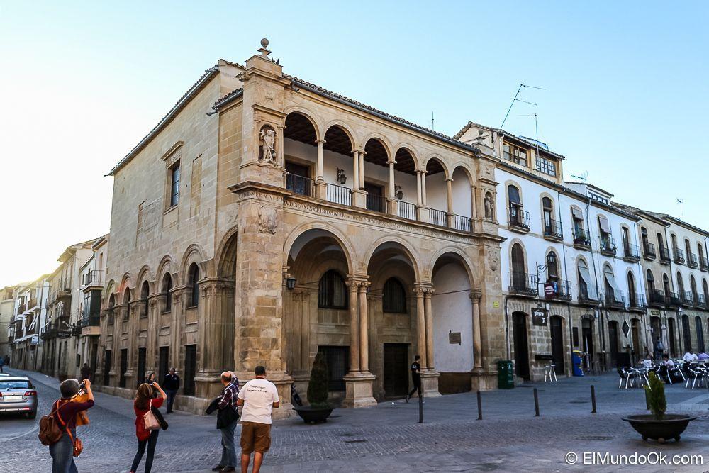 Antiguo Ayuntamiento de Úbeda en España.
