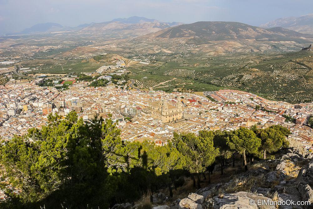 Vistas de Jaén desde la Cruz del Castillo de Santa Catalina. España.