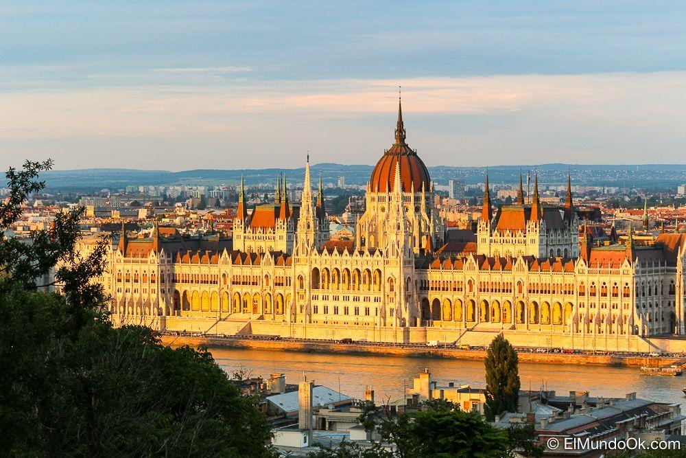 Parlamento de Budapest. El tercer más grande del mundo. Curiosidades sobre Budapest.
