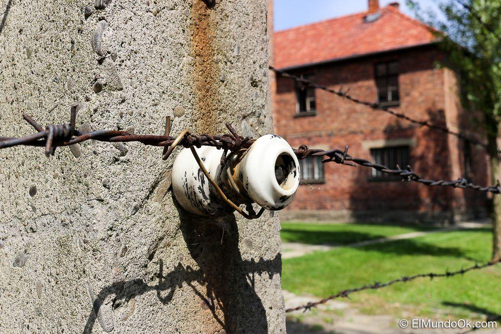 Alambrado eléctrico en Auschwitz I.