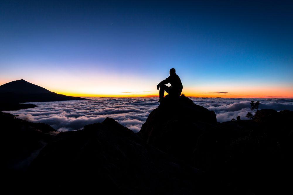El baile de las nubes con el Teide. Qué hacer en Canarias.