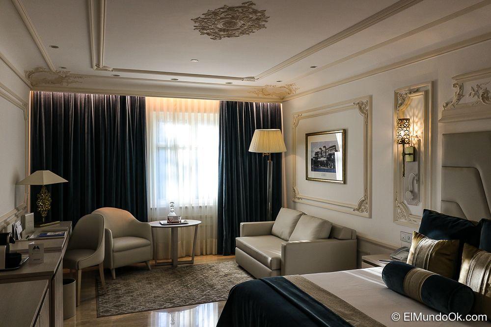 Una de las habitaciones clásicas del Gran Hotel Miramar de Málaga.
