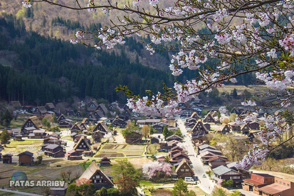 Vistas desde el mirador Shirikawago Japón