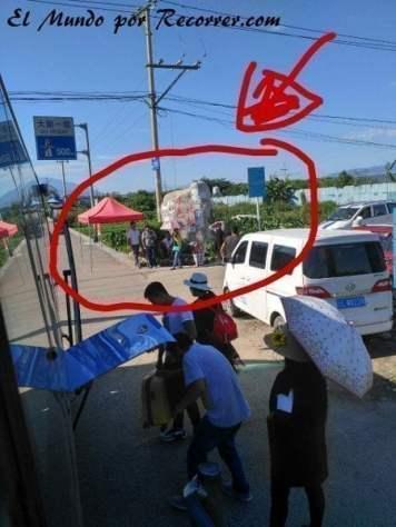 Parada de autobús de línea hacia Lijiang