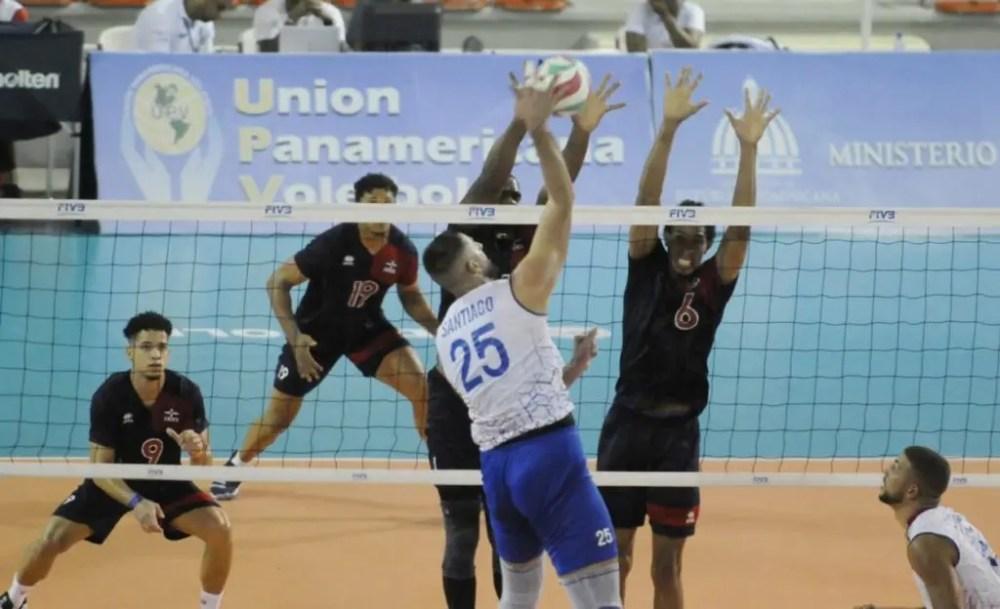 Imágenes del partido en el cual la República Dominicana debutó por todo lo alto tras imponerse ante Puerto Rico 3-1 en el tercer partido de la primera jornada de la Copa Panamericana de Voleibol Masculino de Mayores.