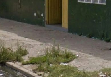 Reclamo de los padres por la falta de mantenimiento de la Escuela Gabriela Mistral de Dorrego