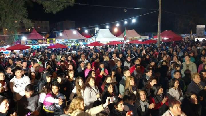 La Feria de las Colectividades llega a la Plaza Ejército de los Andes de Laferrere