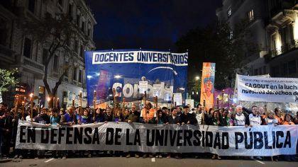 Docentes universitarios seguirán de paro pese a los anuncios del Gobierno
