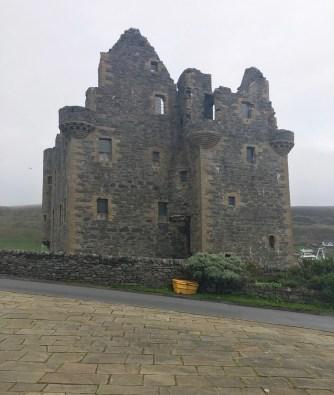 Shetland_ScallowayCastle4