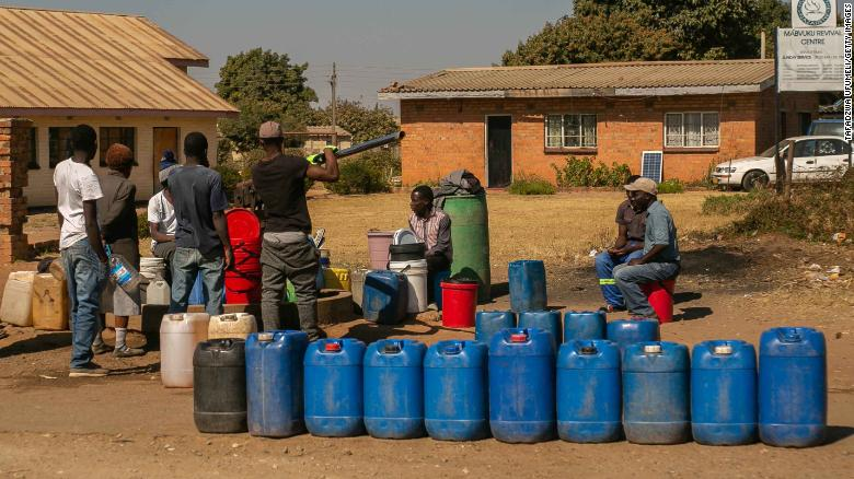 Millions in Zimbabwe facing starvation after severe droughts, UN food agency says