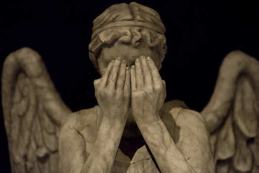 عندما تبكي الملائكة