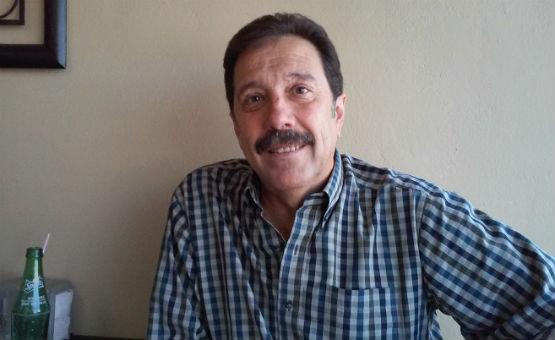 Héctor Peña va por candidatura independiente