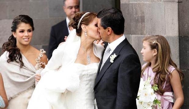 Descubren fraude en boda de Peña Nieto y Angélica Rivera (Vídeo)
