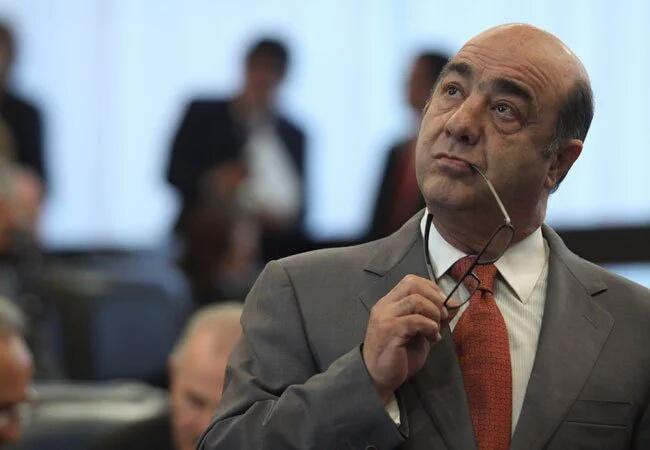Gobierno de Peña beneficia con más de $4 mil millones a familiares de Murillo Karam