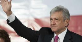 AMLO suma diez nuevos legisladores del PRD a Morena (VÍDEO)