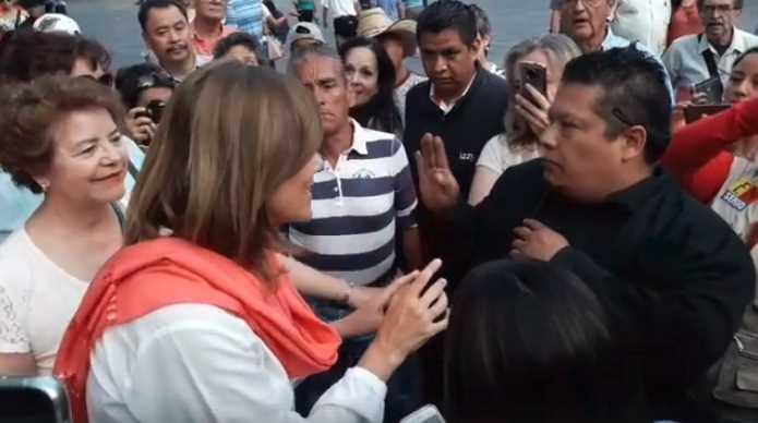Increpan Margarita Zavala por violencia que dejó Calderón (VIDEO)