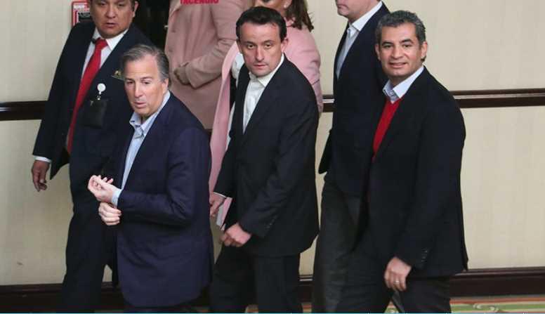 Repudian a Meade en CDMX '¡Fuera el PRI, corruptos!' le gritan