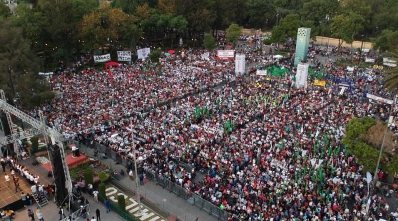 """""""Ya rebasamos los 50 puntos en intención del voto a favor de nuestro movimiento"""" y se puede llegar al 70%: AMLO"""