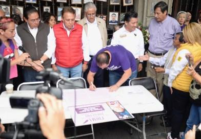 Firma Cuauhtémoc Blanco compromiso para combatir la violencia contra las mujeres