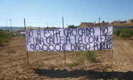 """""""El Alcalde de Caravaca va a gastar 90.000 u20ac para abrir una calle en Pinilla que no hace falta"""""""