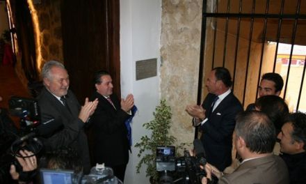 Pepín Liria inaugura la sede social del Club Taurino de Cehegín
