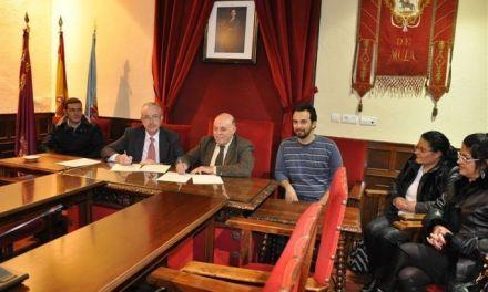 """La FUNDACIÓN CAJAMURCIA firma un convenio con el ayuntamiento de Mula para la publicación del libro de José Antonio Zapata Parra: """"El Castillo de Mula (Murcia)."""